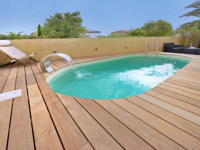As vantagens de construir uma piscina pequena