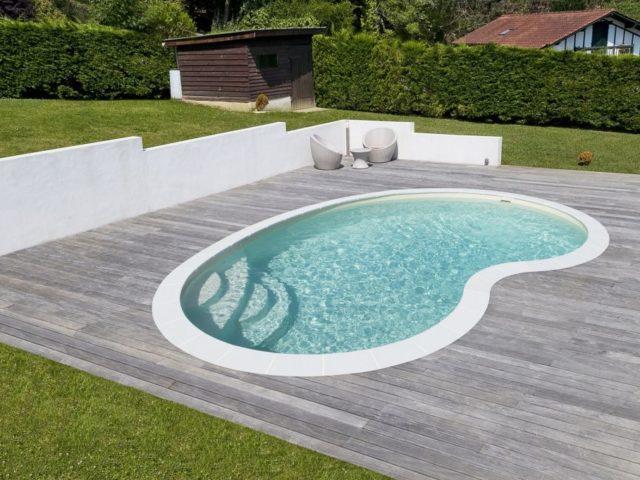 Piscinas modernas para casas: Ideias e inspirações para o espaço que tem disponível!