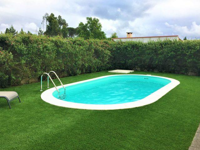 Quais os riscos de não realizar uma limpeza de piscinas regular?
