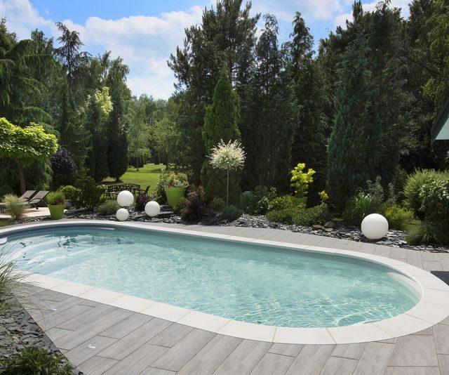 piscina oval lisa