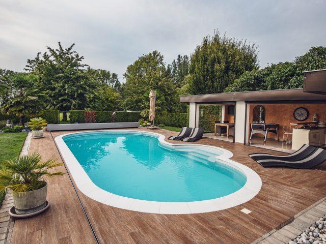 4 benefícios de uma piscina em casa em tempos de pandemia